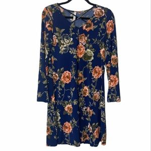 Gilli blue floral dress from stitch fix size small